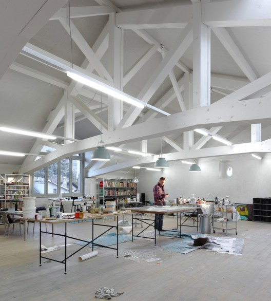 Studio in an Agricultural Building / Charles Pictet Architecte  Thomas Jantscher