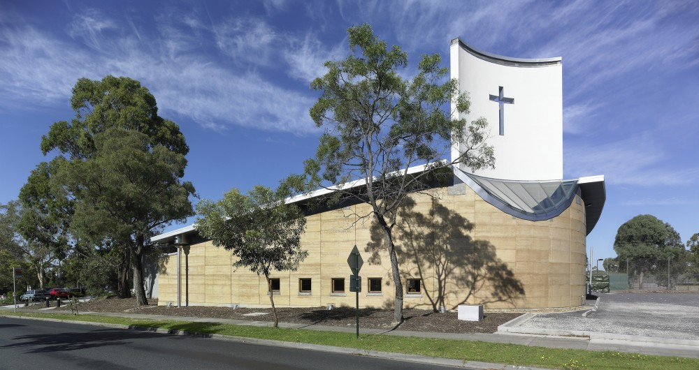 St Alfred's Church  / Studio B Architects