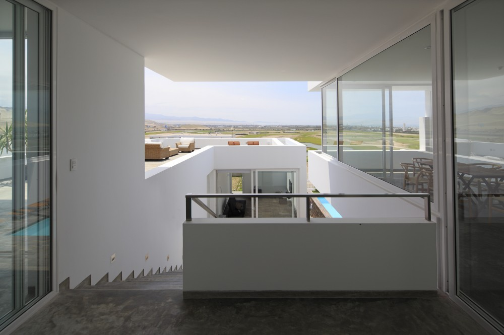 Deployed  House  / Seinfeld Arquitectos