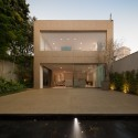 K House / Studio Arthur Casas  FG+SG - Fernando Guerra, Sergio Guerra