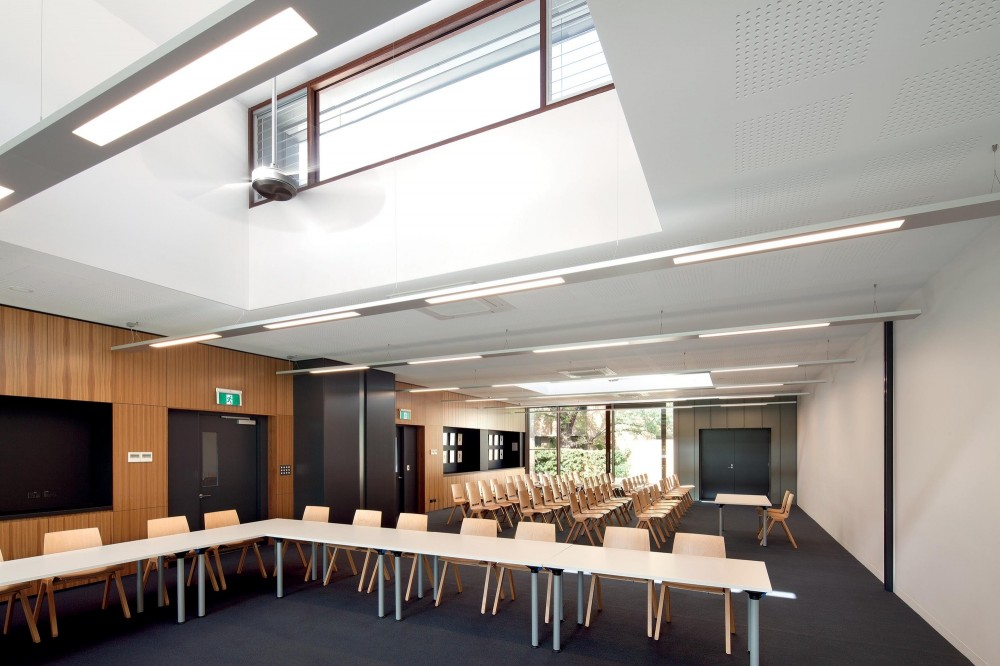Trinity College Theological School Extensions / Peter Elliott Architecture + Urban Design
