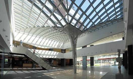 Francois Illas New Tradition: City Buisness Centre / Andreescu & Gaivoronschi