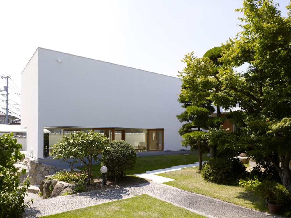 Garden Tree House / Hironaka Ogawa &#038; Associates