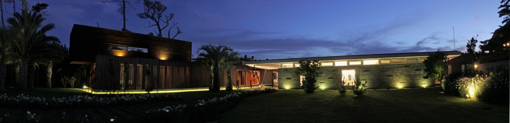 House Booth / Marcelo Daglio Arquitectos