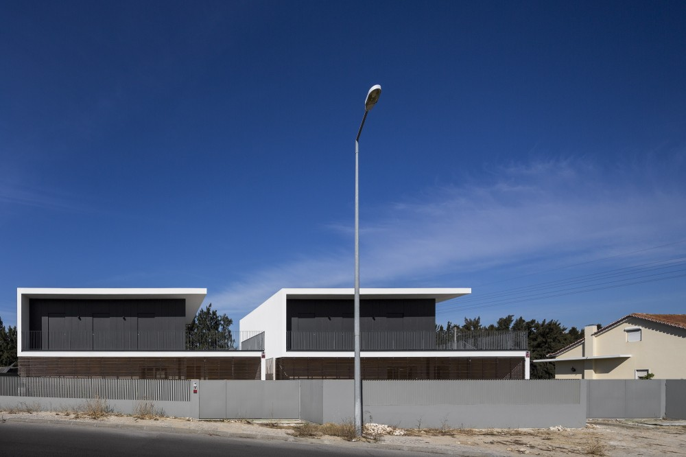 Houses in Setubal / OW arquitectos