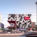 TUKCOM I.T.mall Sriracha / Supermachine Studio Courtesy of Supermachine Studio