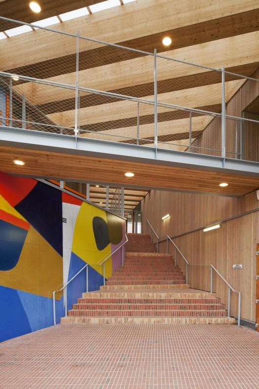 groupe scolaire pasteur r2k architectes archdaily. Black Bedroom Furniture Sets. Home Design Ideas