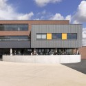 Castle View School / Nicholas Hare Architects  Alan Williams