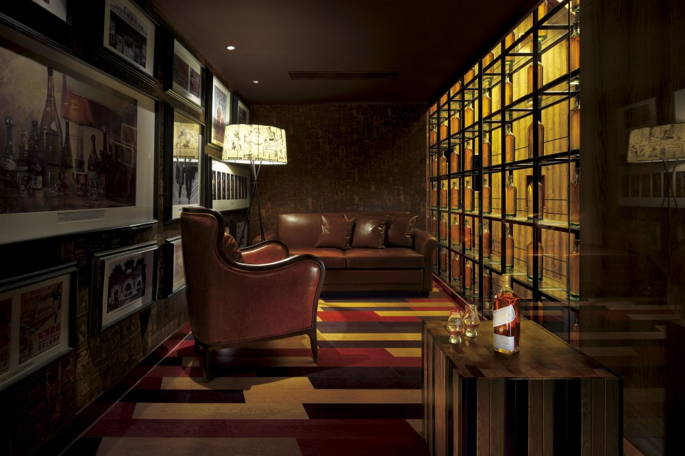 Johnnie Walker House in Beijing / Asylum + LOVE