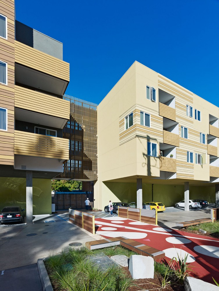 La Valentina Affordable Housing / David Baker + Partners