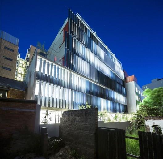 Eden Art Wall Apartments / Tony Owen Partners