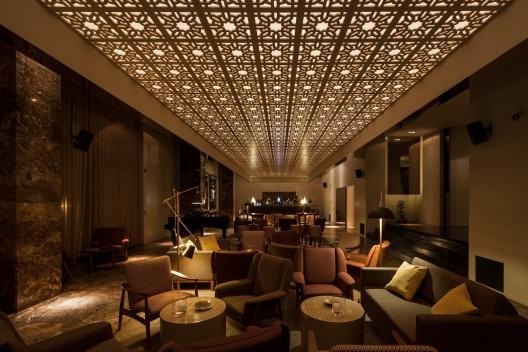 Bozen bar central arquitectos archdaily for Bozen design hotel