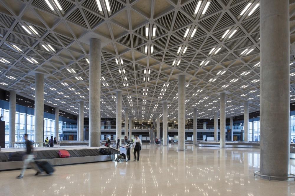 Design   Build Main Contractor  Joannou  amp  Paraskevaides  Overseas  Ltd    Queen Alia Airport Arrivals