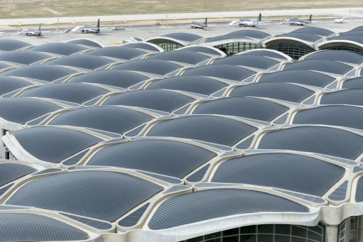 Queen alia international airport foster partners archdaily