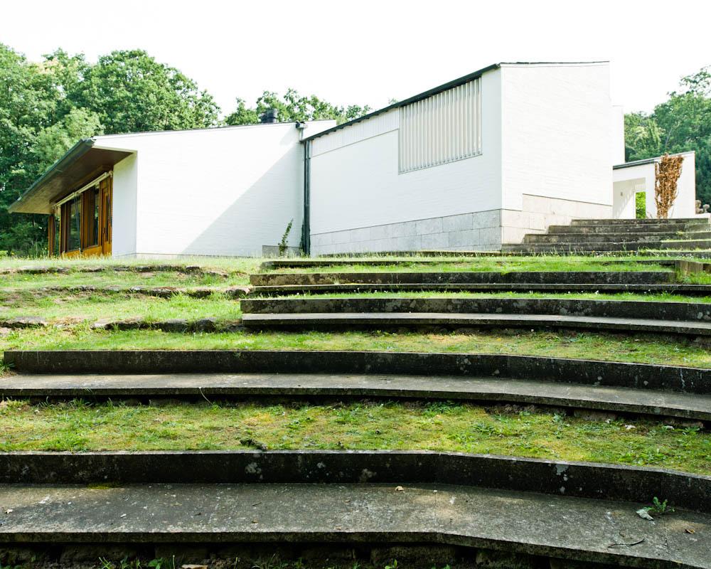 Architecture photography ad classics maison louis carr for Alvar aalto maison