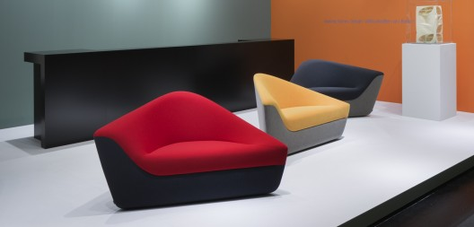 Best architect designed products of milan design week 2013 archdaily Walter knoll circle sofa