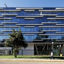 Manquehue Clinical Center of Clnica Alemana / MQarquitectos  Nico Saieh