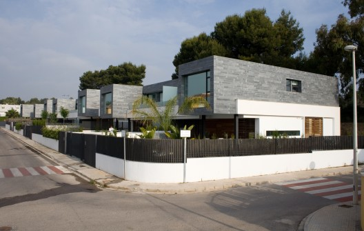 Six semi detached houses isolated house in rocafort - Altarriba valencia ...