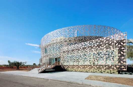 Corporate Office Building for Hispasat Technology Center / Herreros Arquitectos
