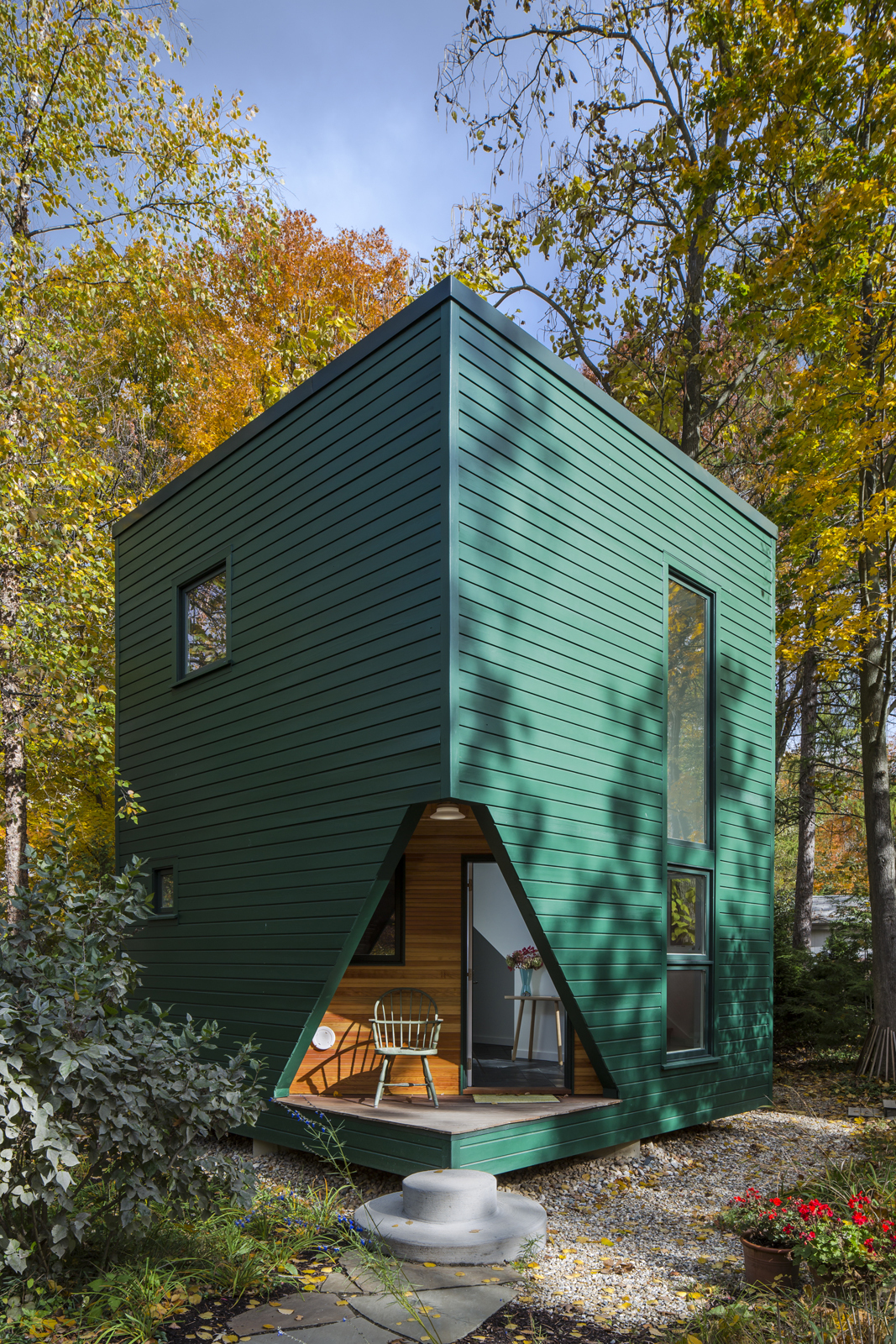 Astounding A Small Energy Efficient Guest House Largest Home Design Picture Inspirations Pitcheantrous