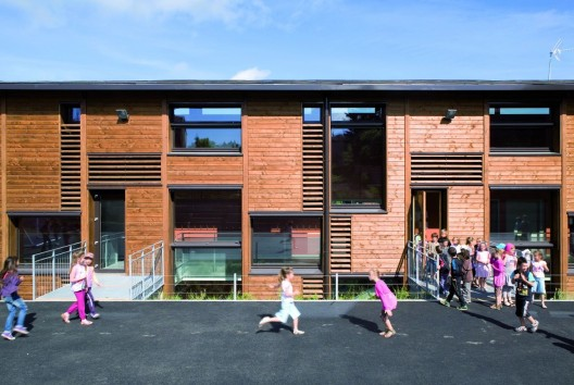 School in Montrottier / Tekhnê Architects