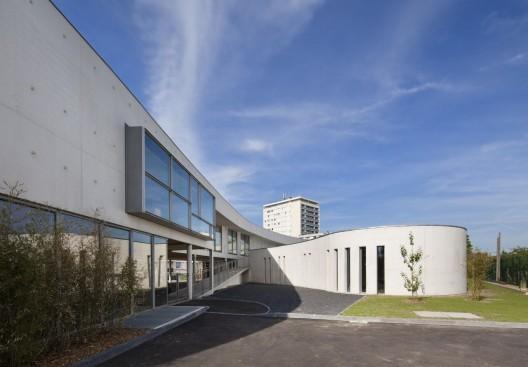 Jean moulin school richard schoeller architectes for Architecte montargis