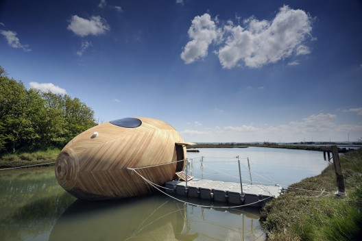 http://ad009cdnb.archdaily.net/wp-content/uploads/2013/06/51bb23e2b3fc4b01ee000004_exbury-egg-pad-studio-spud-group-stephen-turner_in_situ_-6-_1457021-528x352.jpg