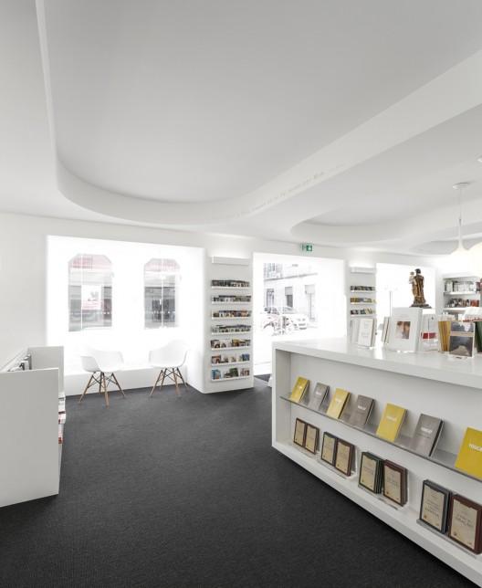 Paulus bookshop site specific arquitectura archdaily - Arquitectura pereira ...