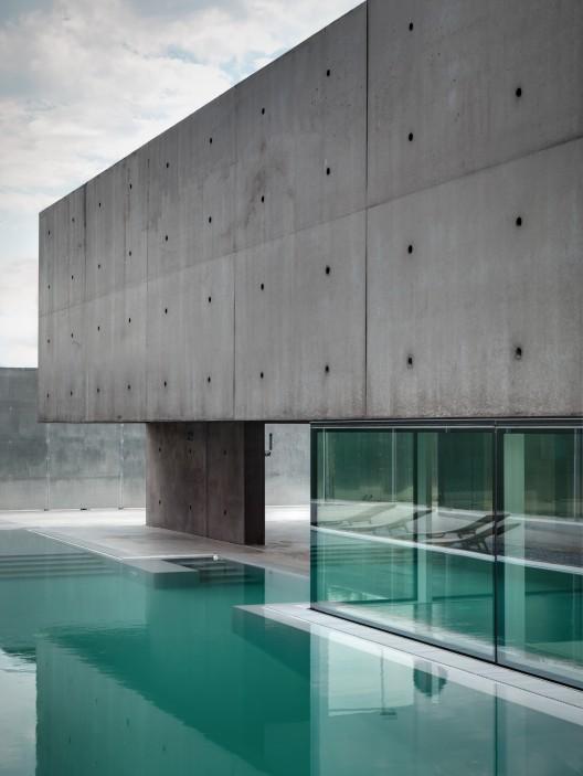 معماری ویلا،تلفیق شفاف و نیمه شفاف