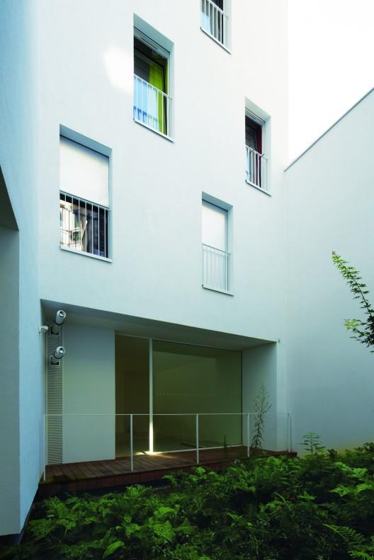 legendre avenier cornejo architectes archdaily. Black Bedroom Furniture Sets. Home Design Ideas