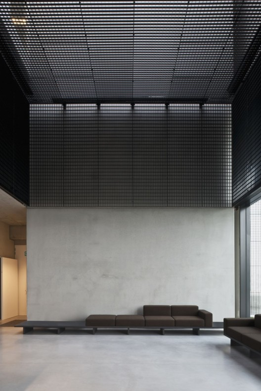 tonickx offices vincent van duysen architects archdaily. Black Bedroom Furniture Sets. Home Design Ideas