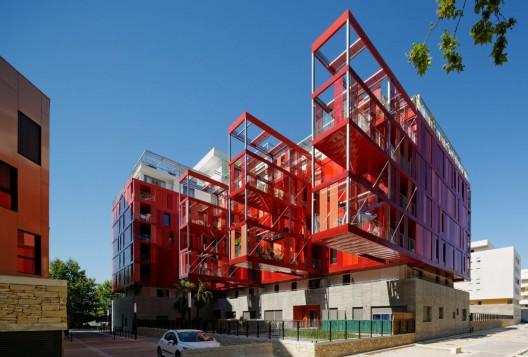 http://ad009cdnb.archdaily.net/wp-content/uploads/2013/08/5216dc5ae8e44e7a180001cf_version-rubis-housing-jean-paul-viguier-architecture_version_rubis_9-528x357.jpg