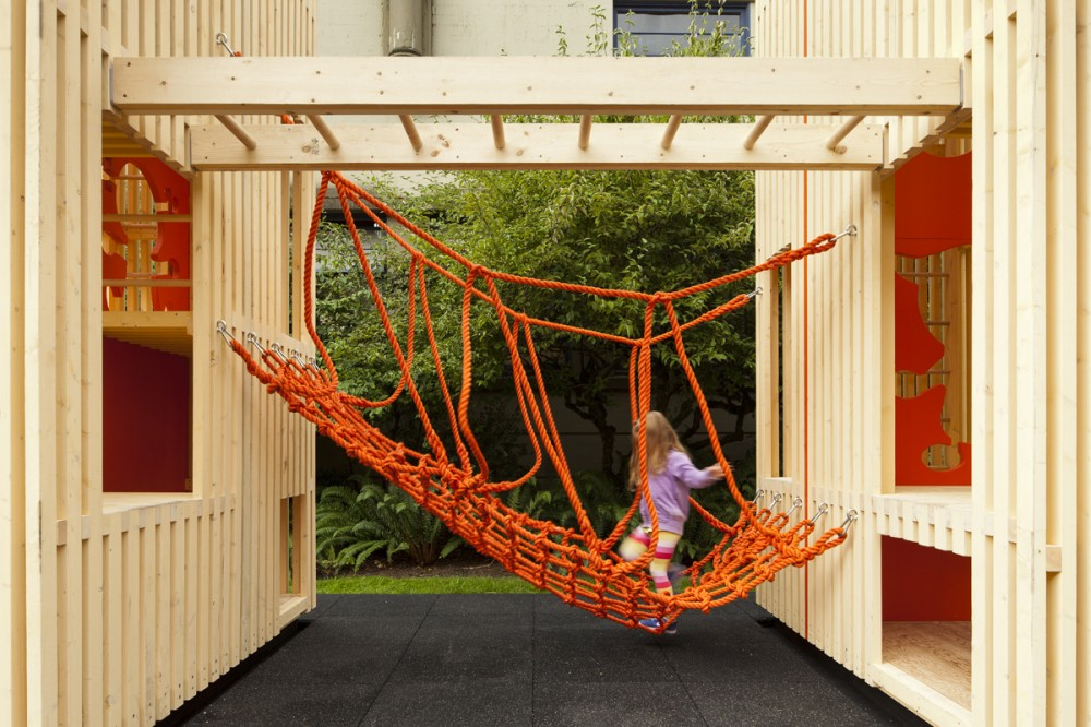 Children's Playhouse 'Sam + Pam' / Office of McFarlane Biggar