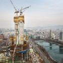 Vanity Height: How Much of a Skyscraper is Usable Space? 6. Lotte World Tower / KPF. Image © Doka