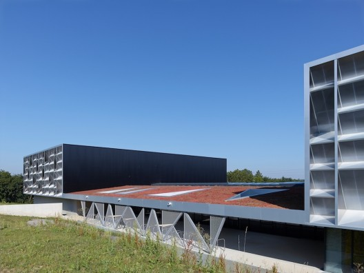 Guingamp agence d architecture robert et sur archdaily for Agence d architecture