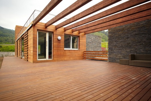 Wooden veranda creativo : send to Twitter Share on Facebook What do you think about this?