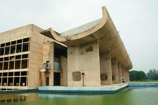 Spotlight le corbusier archdaily for Corbusier mobel