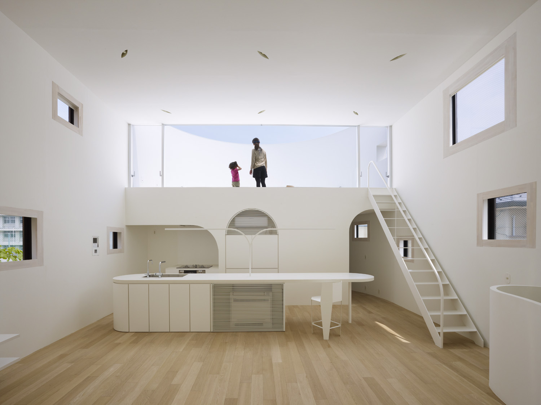 Minimalist Malibu House Design With Greek Architecture