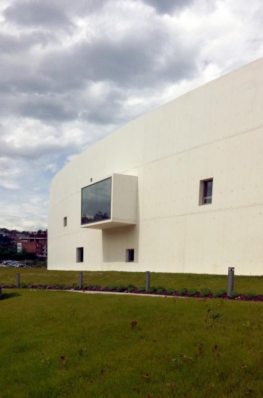 http://ad009cdnb.archdaily.net/wp-content/uploads/2013/11/51314421b3fc4b0d9800144c_carlos-santa-mar-a-center-jaam-sociedad-de-arquitectura_1337370634-img-1522-pho-530x801.png