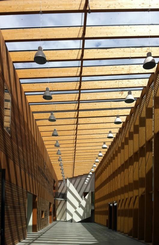 http://ad009cdnb.archdaily.net/wp-content/uploads/2013/11/51314432b3fc4b0d9800144e_carlos-santa-mar-a-center-jaam-sociedad-de-arquitectura_1337370648-jaam-ccs24-530x814.jpg
