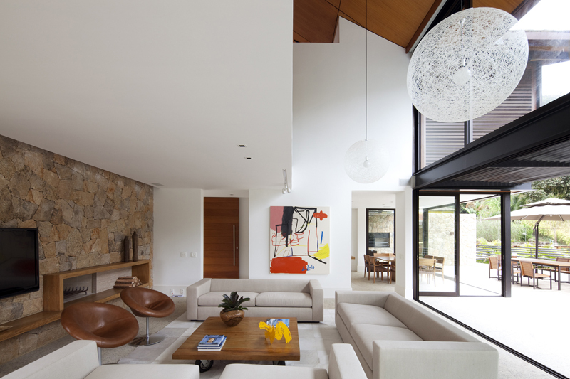 Modern architecture & interior design #4 - House in the Hills by Architectare