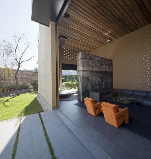 Casa Tierra Apartments: Casa Tierra / Serrano Monjaraz Arquitectos