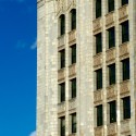 AD Classics: Woolworth Building / Cass Gilbert Vertical emphasis and ornate spandrel panels. Image © Aaron Sylvan