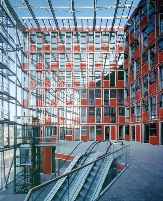 Capricorn house medienhafen d sseldorf gatermann schossig archdaily - Architekten in dusseldorf ...