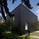 Black Cube House  / KameleonLab © Tomasz Zakrzewski