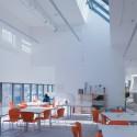 Seona Reid Building / Steven Holl Architects © Iwan Baan