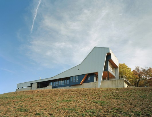 Round Mountain House Demx Architecture Archdaily