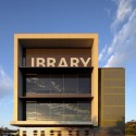 Helensvale Branch Library and CCYC / Complete Urban + lahznimmo architects © John Mills