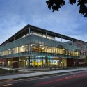 Henry W Bloch Executive Hall at University / BNIM  + Moore Ruble Yudell © James Ewing