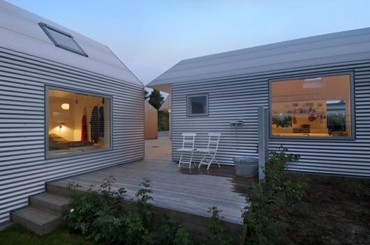 - 533b96dcc07a80e62d0000a7_summerhouse-in-denmark-jva_summerhousedk-exterior_07-530x351